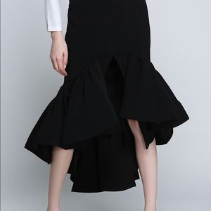 High low flared skirt.